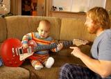 le bébé guitariste